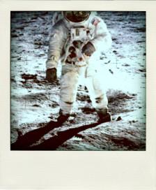 moon_nasa_1969_apollo_11_desktop_747x1024_hd-wallpaper-733143-pola